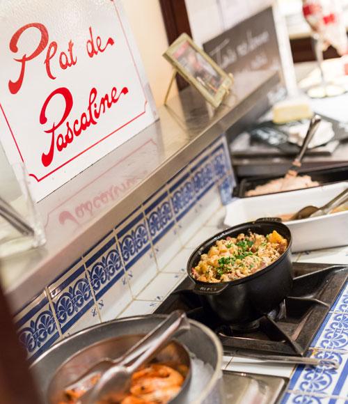 restaurant-pascaline-bistrot-comptoir-buffet-volonte-fait-maison-gueret-1880-rouen-34-comptoir-entree-500x580